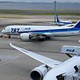 B787-8 JA807A